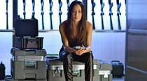 Watch Nikita Season 3 Episode 21 - Invisible Hand Online